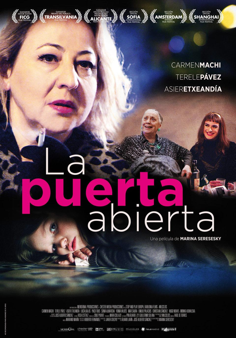 Cartel España oficial de 'La puerta abierta'