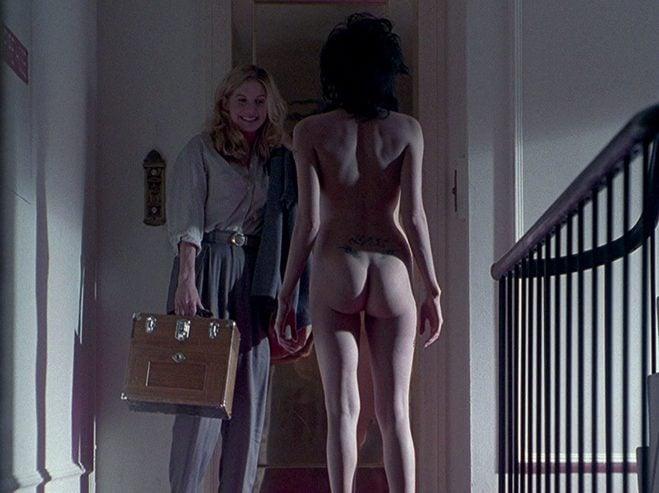 Angelina Jolie desnuda, satisfecha y la mejor pagada
