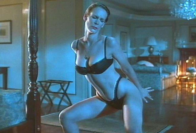 Jamie Lee Curtis En Ropa Interior Hace Un Striptease Mentiras