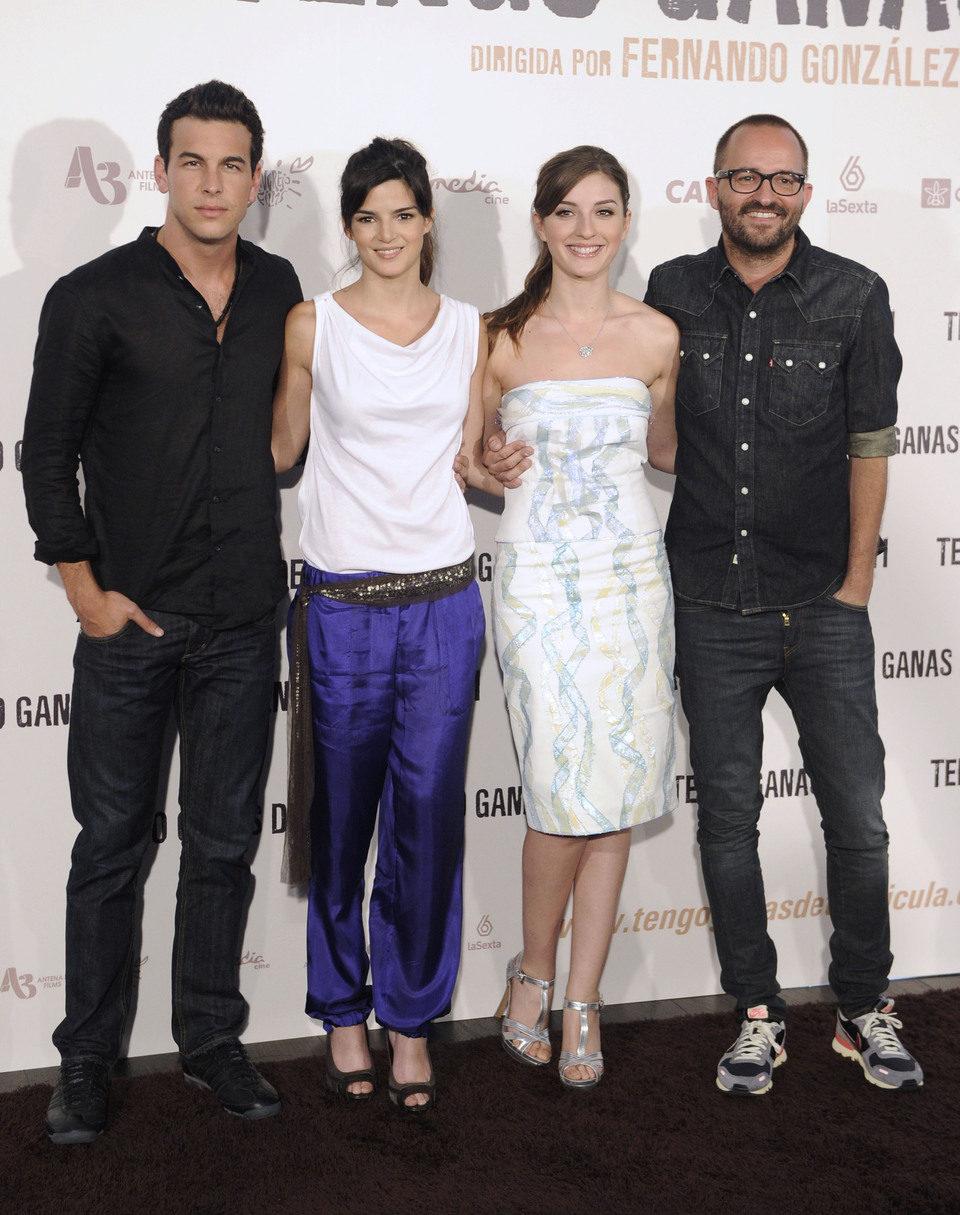 Mario Casas, Clara Lago, María Valverde y Fernando González Molina