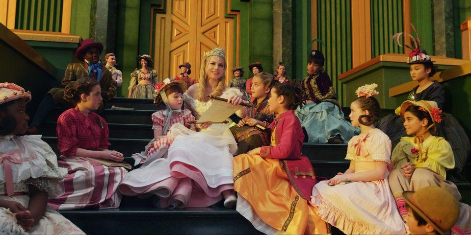 Oz, un mundo de fantasía (Oz: The Great and Powerful) 42407_oz-un-mundo-de-fantasia