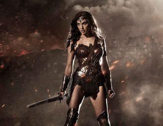 Wonder Woman muestra sus armas en el arte conceptual de 'Batman v Superman: el amanecer de la justicia'