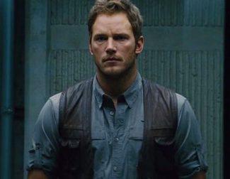 Steven Spielberg nos lleva a 'Jurassic World' en una nueva featurette