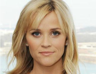 Reese Witherspoon llevará al cine el origen de la muñeca Barbie