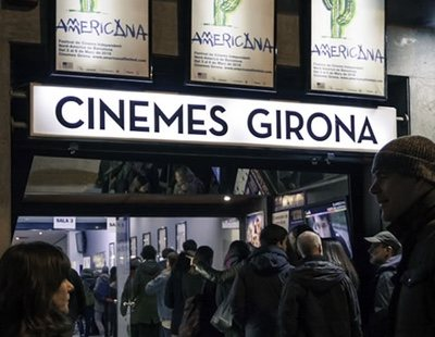 """Cataluña vuelve a cerrar los cines y estos estallan criticando """"medidas inútiles"""""""