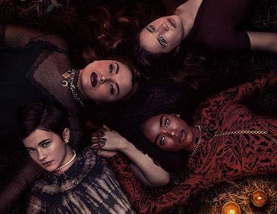 Cómo la directora y las protagonistas de la nueva 'Jóvenes y brujas' actualizaron el clásico de los 90