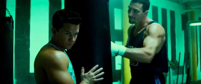 Dwayne Johnson y Mark Wahlberg lucen músculos en el primer tráiler de 'Pain and Gain'