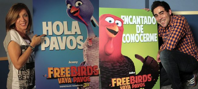 Eva Isanta y Pablo Chiapella doblando a sus personajes de 'Free birds (Vaya pavos)'