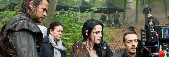 Chris Hemsworth, Kristen Stewart y Rupert Sanders en el rodaje de 'Blancanieves y la leyenda del cazador'
