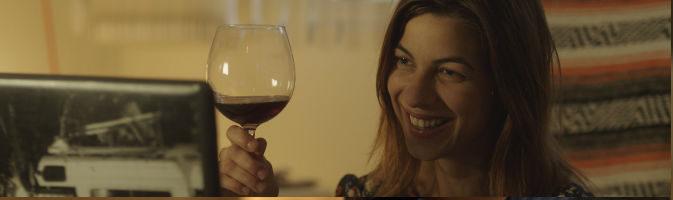 La actriz Natalia Tena en un fotograma de la película '10000 Km'
