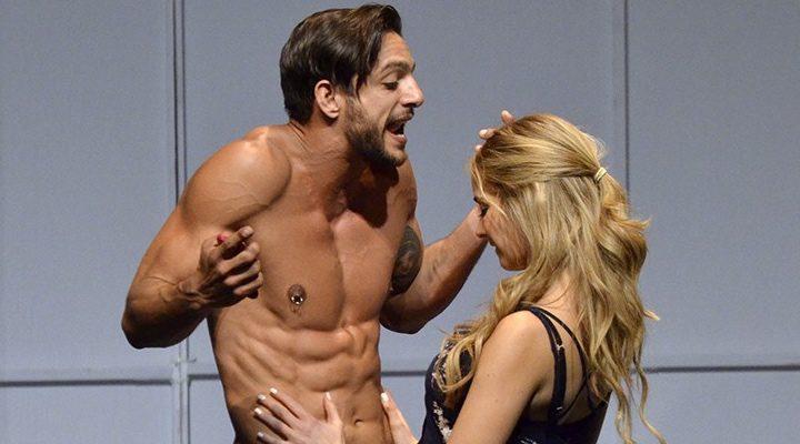 Ericka se desnuda y coge con el novio - 3 part 5