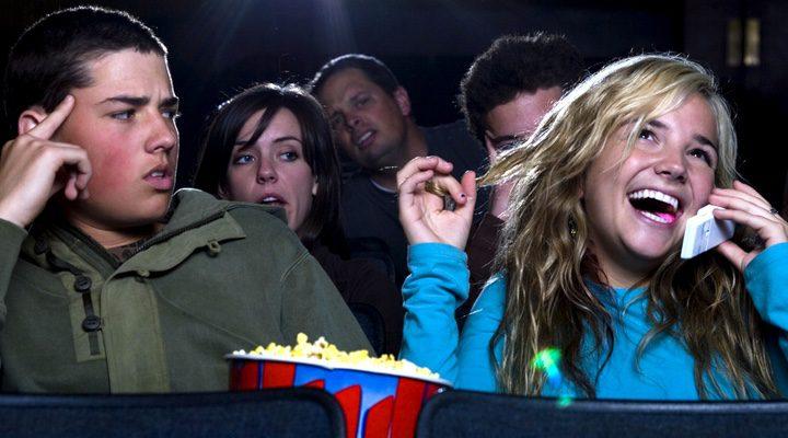 Resultado de imagen de movil en el cine