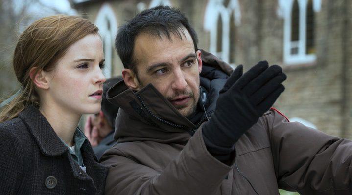 Amenábar junto a Emma Watson en 'Regresión'