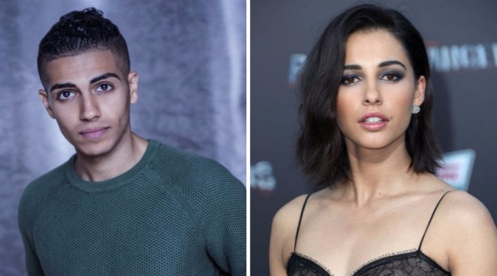 mena Massoud y Naomi Scott