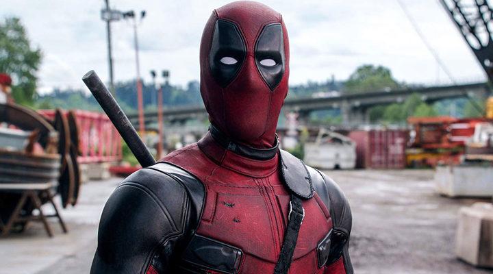 'Deadpool habla portugués y regala tatuajes en este vídeo promocional'