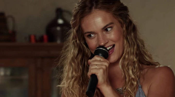 Lily James en 'Mamma Mia! Una y otra vez'