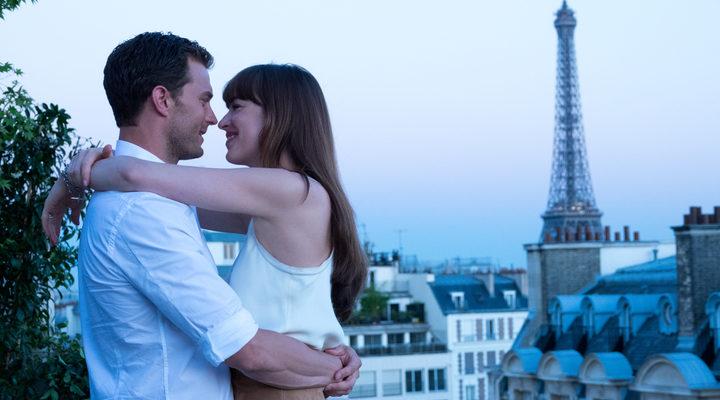 Christian Grey y Anastasia Steele pasando su luna de miel en París
