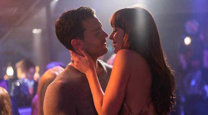 Christian Grey y Anastasia Steele de fiesta