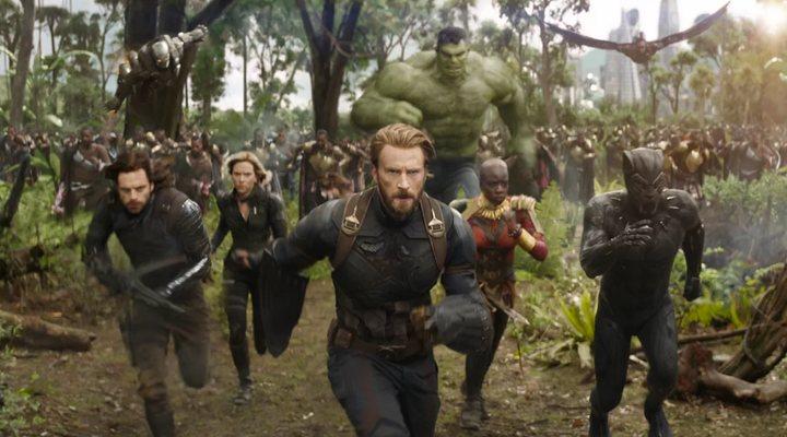 Chris Evans, Sebastian Stan, Scarlett Johansson, Chadwick Boseman, Danai Gurira y Mark Ruffalo como Hulk en 'Vengadores: Infinity War'