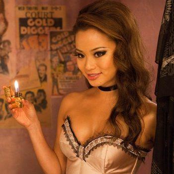 Jamie Chung es Amber en Sucker Punch