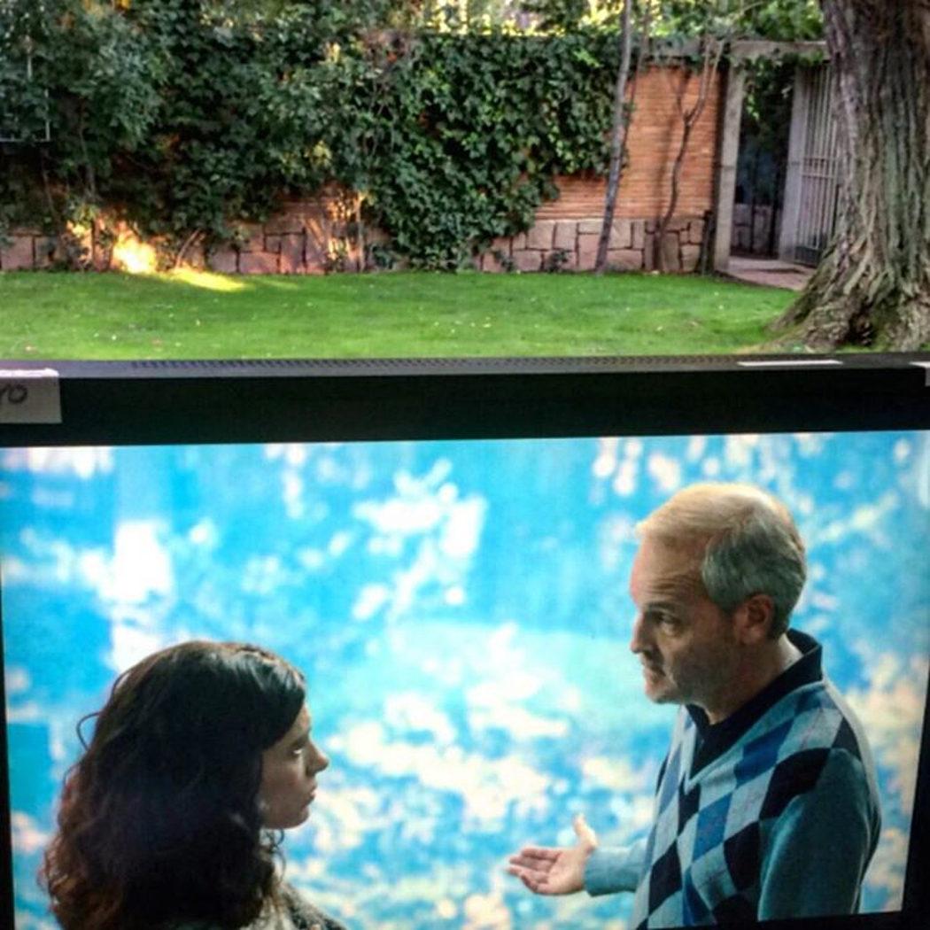 Irene Visedo y Jordi Rebellón en un rodaje exterior