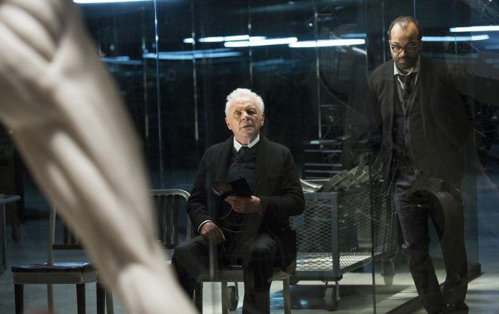 Anthony Hopkins y Jeffrey Wright en 'Westworld'