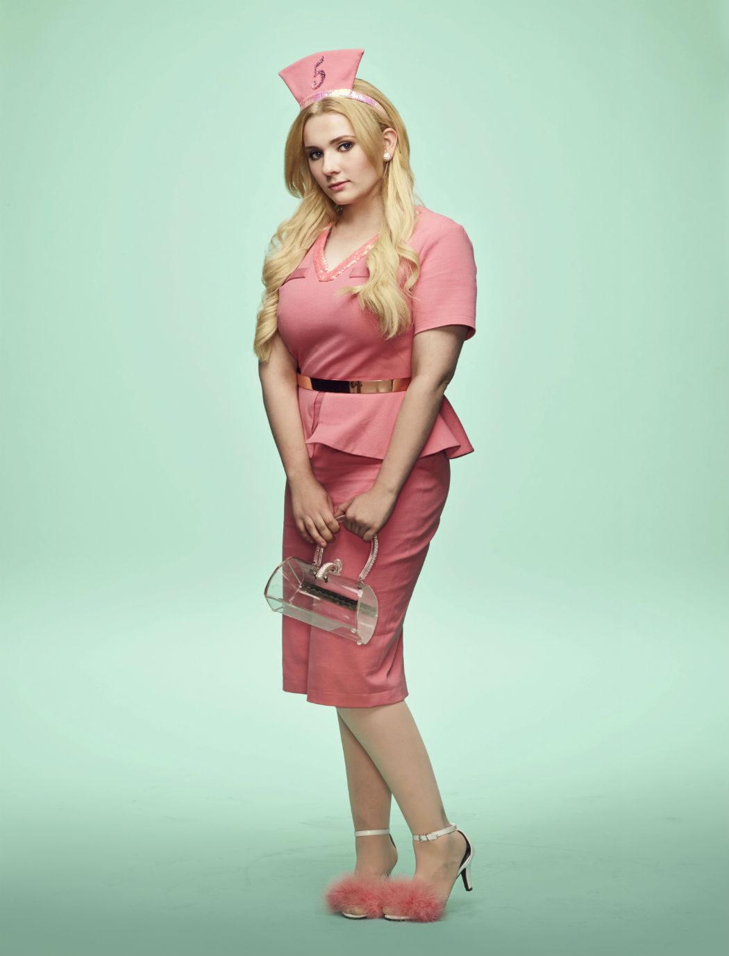 Abigail Breslin como Chanel #5