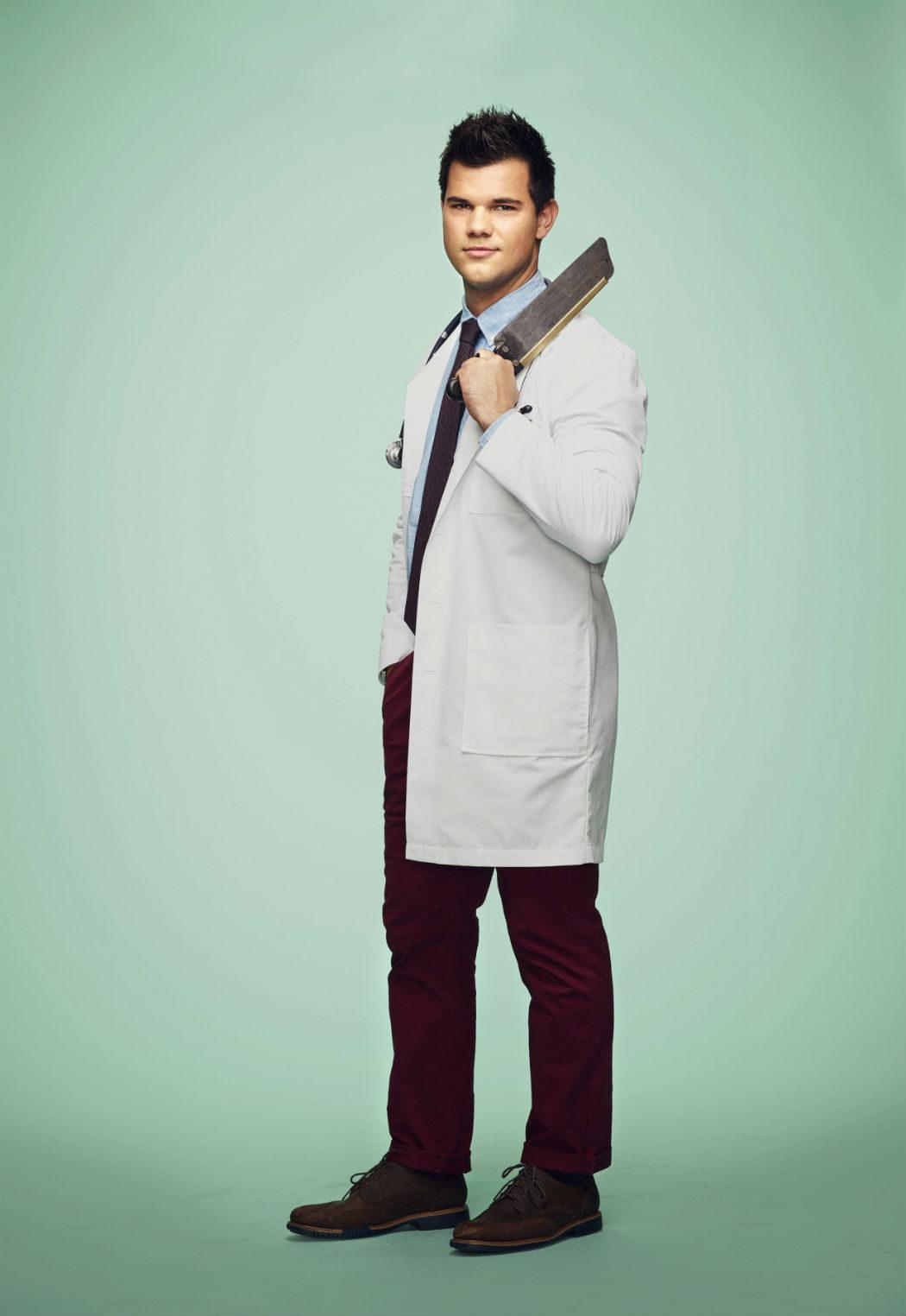 Taylor Lautner como el Dr. Cassidy Cascade