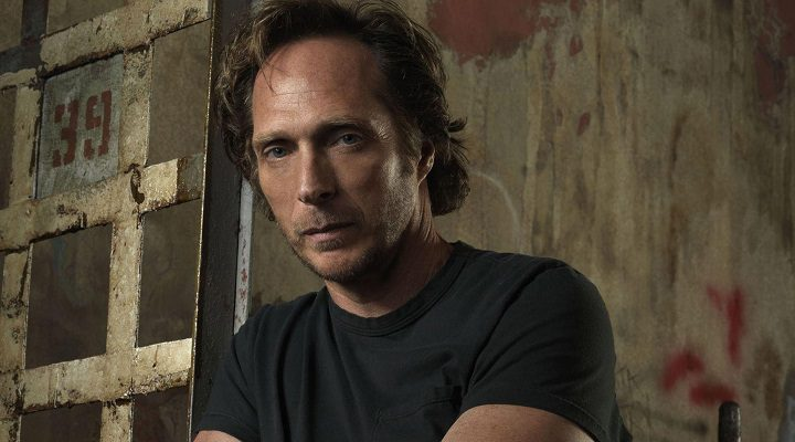 William Fichtner (Alex Mahone)