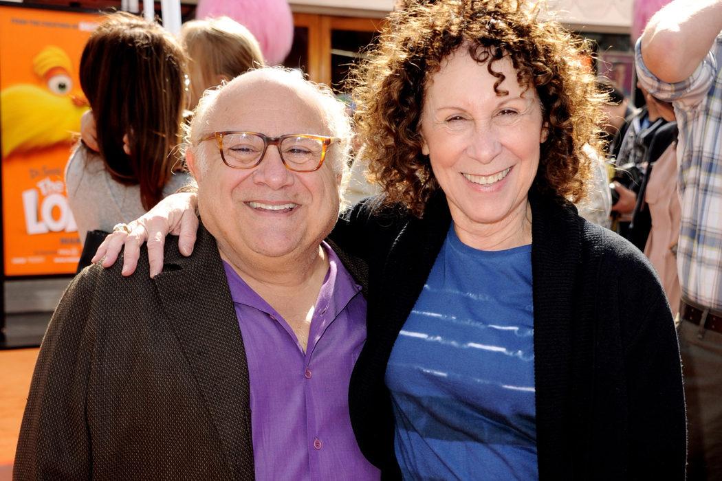 Danny DeVito y Rhea Perlman