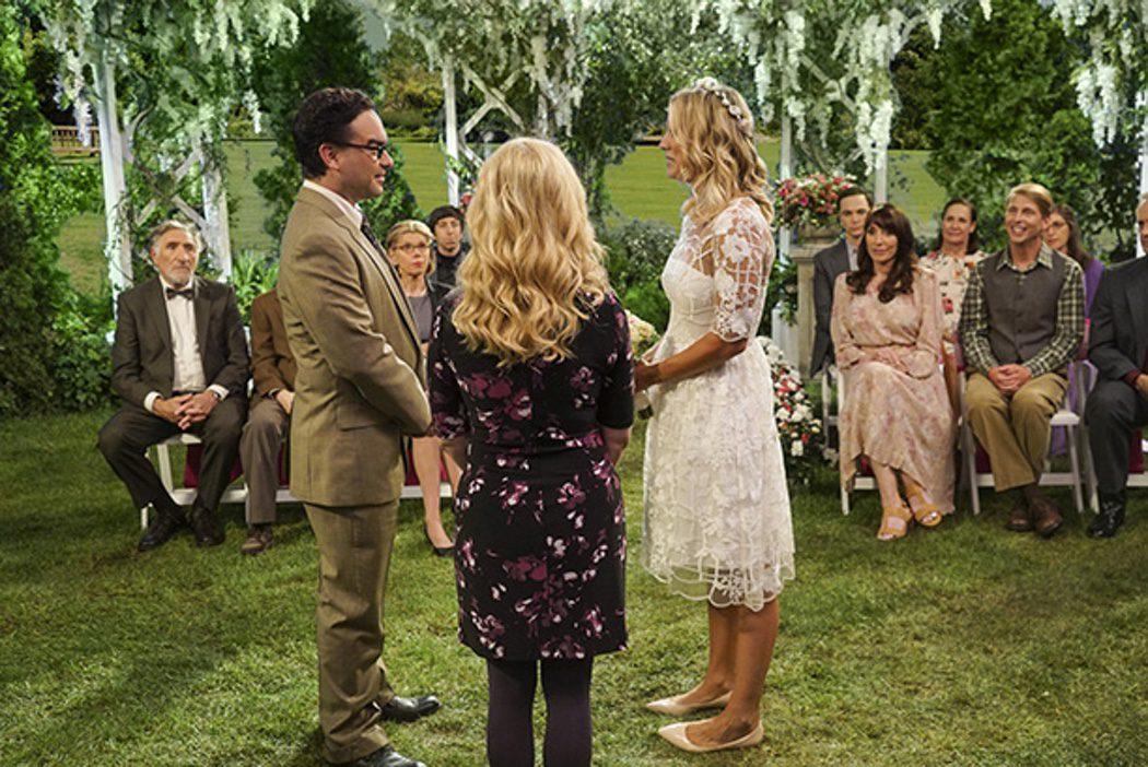 Penny y Leonard renuevan sus votos matrimoniales