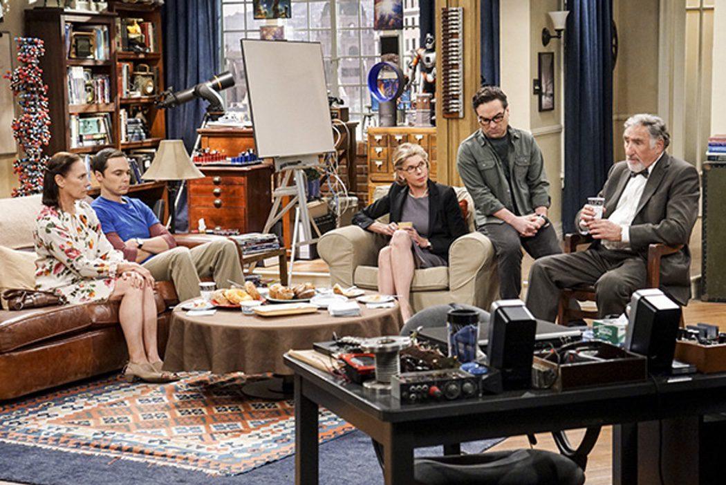Sheldon y Leonard con sus invitados