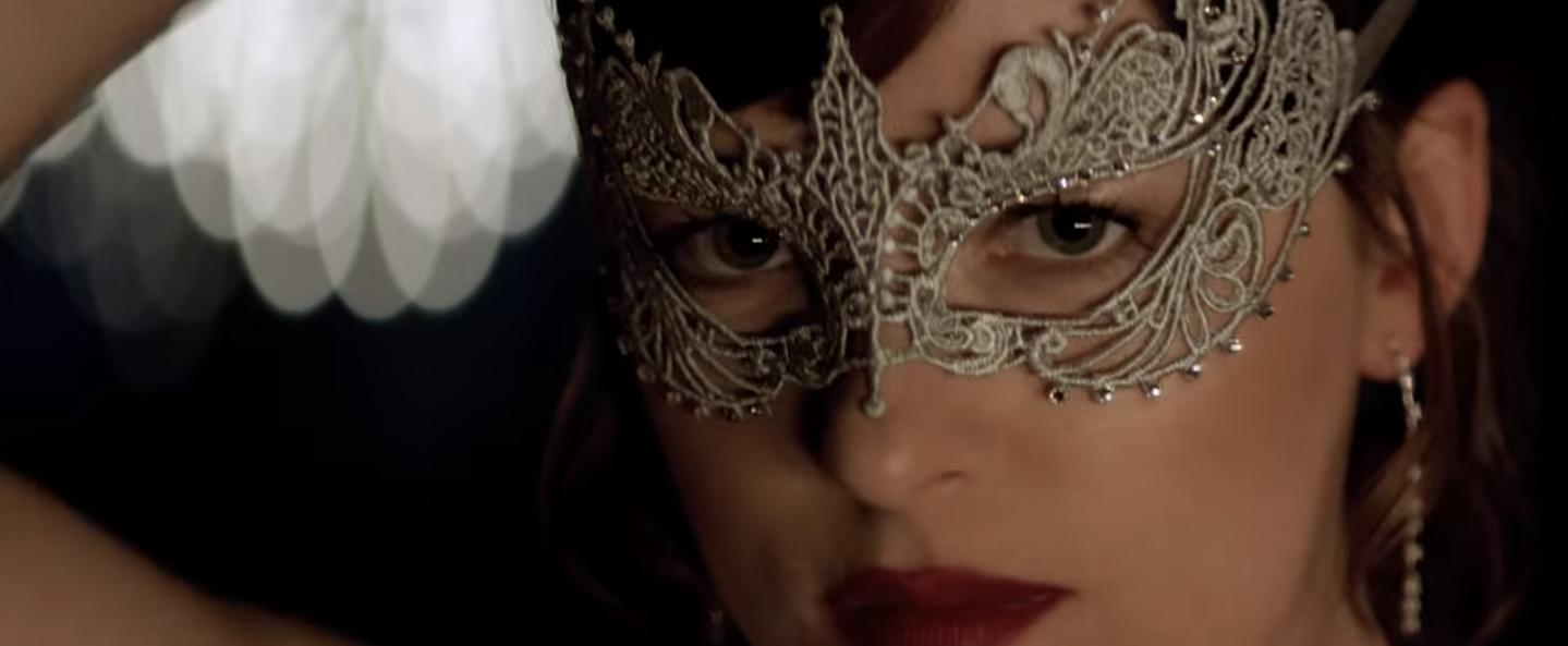 Anastasia entra en las sombras