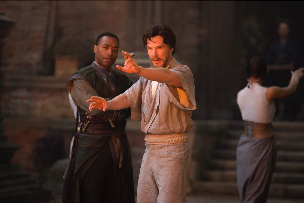 Doctor Strange entrenando con Baron Mordo