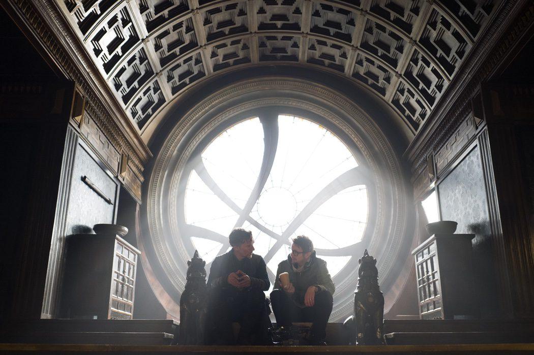 Scott Derrickson y Benedict Cumberbatch