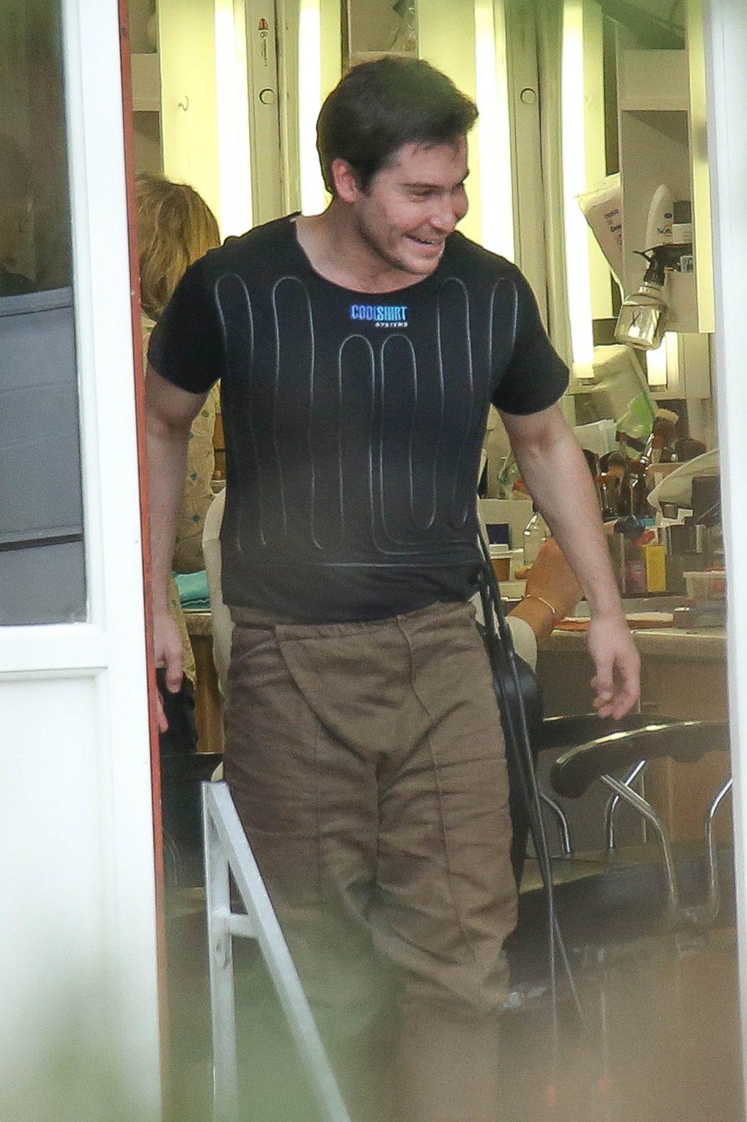 Joe Dempsie preparándose en el rodaje de 'Juego de Tronos'