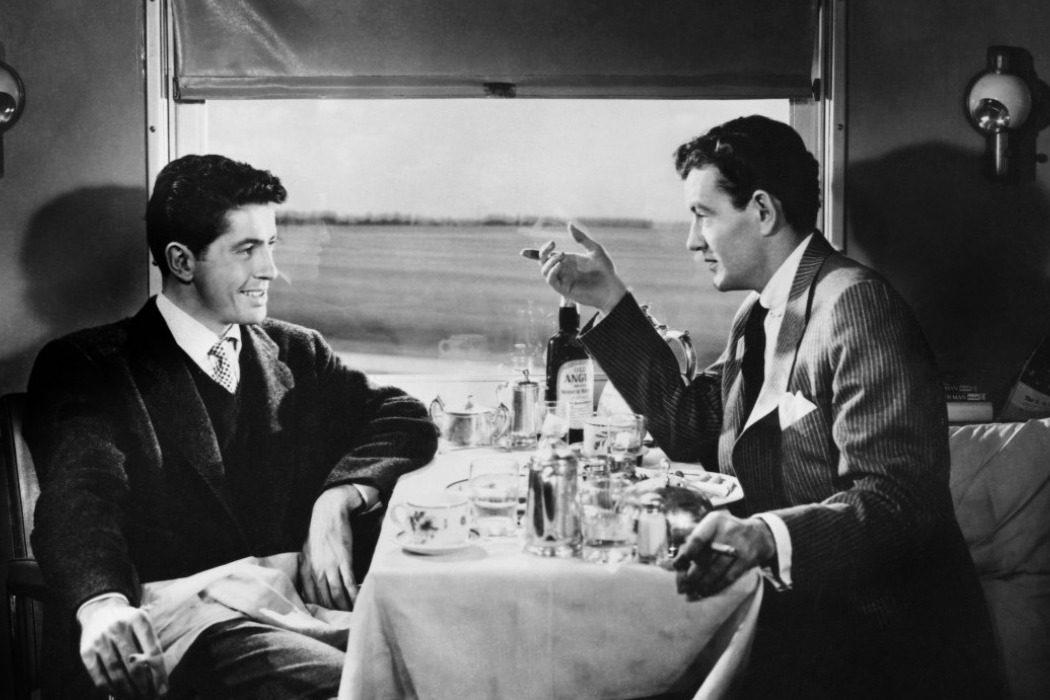 'Extraños en un tren'