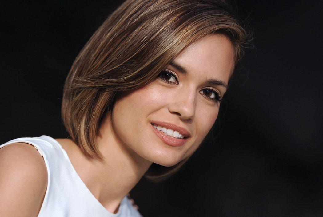 Torrey DeVitto (Melissa Hastings)