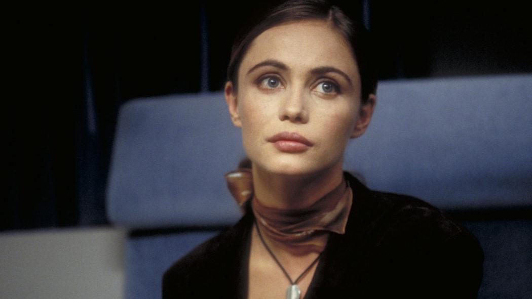 Claire Phelps (Emmanuelle Béart)