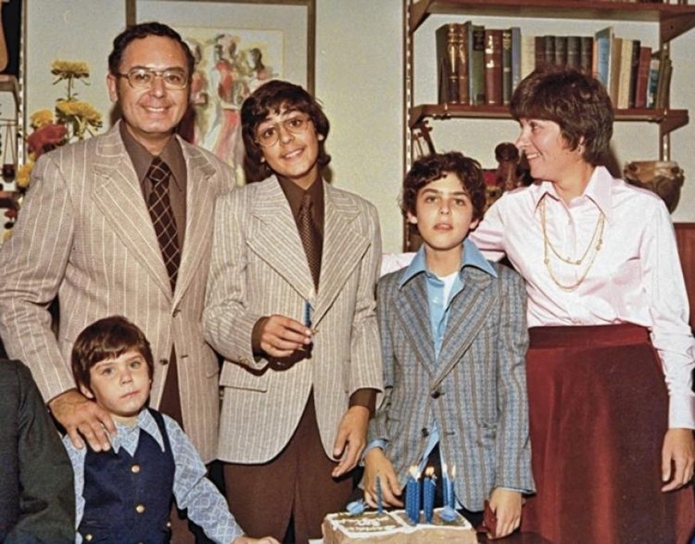 'Capturing the Friedmans'