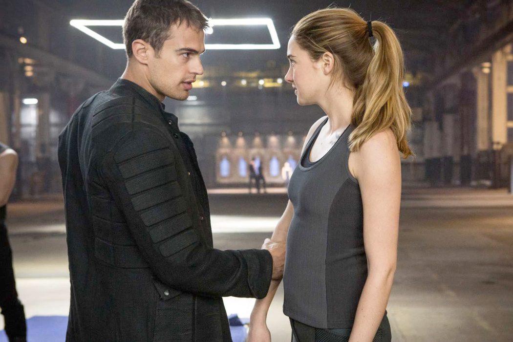 Theo James y Shailene Woodley en 'Divergente'
