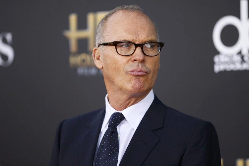 Michael Keaton es Michael Douglas
