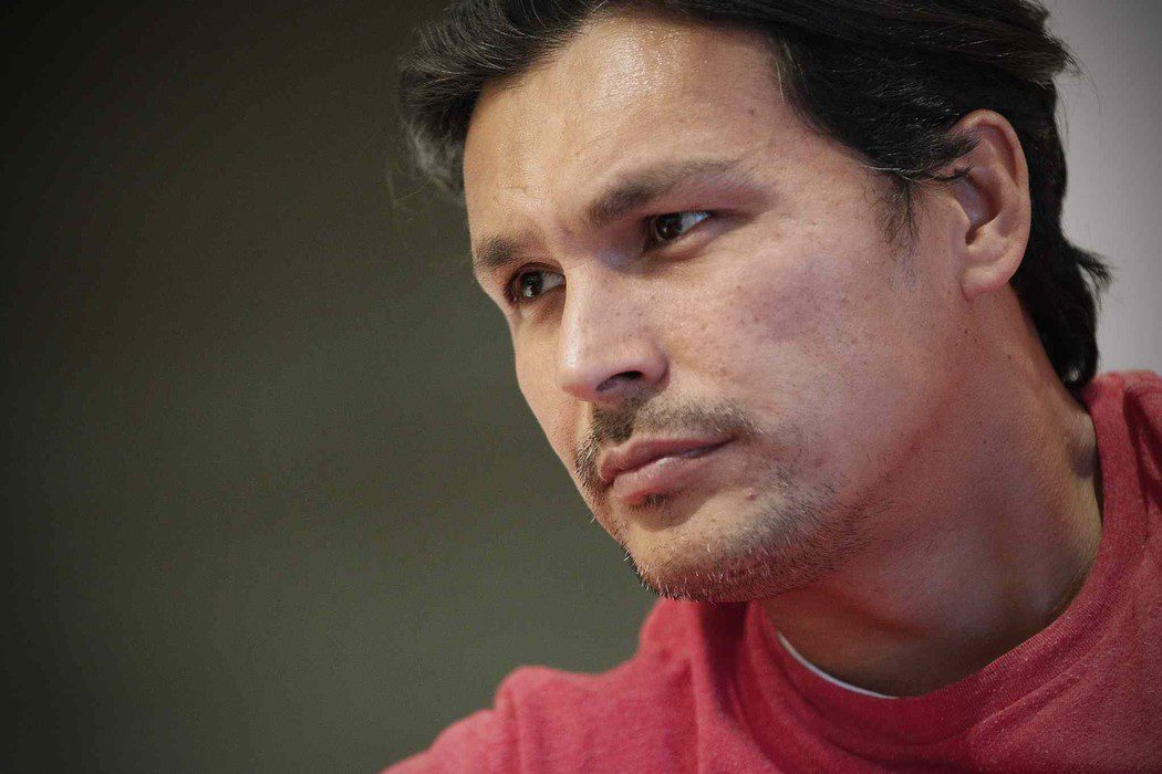 Adam Beach será Slipknot