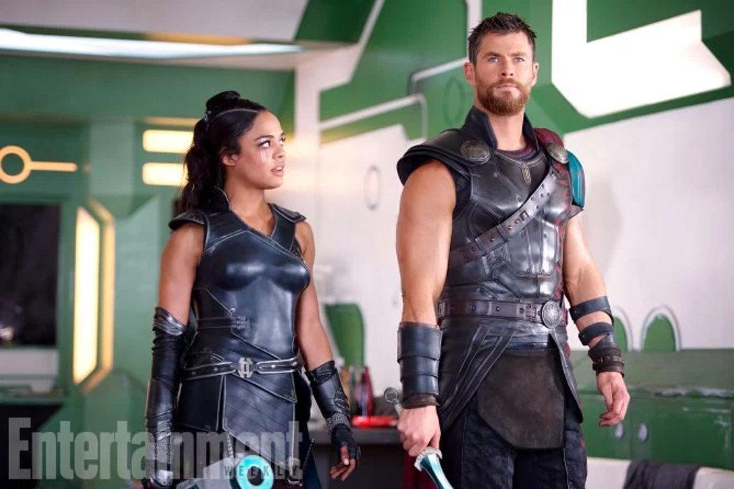 Tessa Thompson y Chris Hemsworth