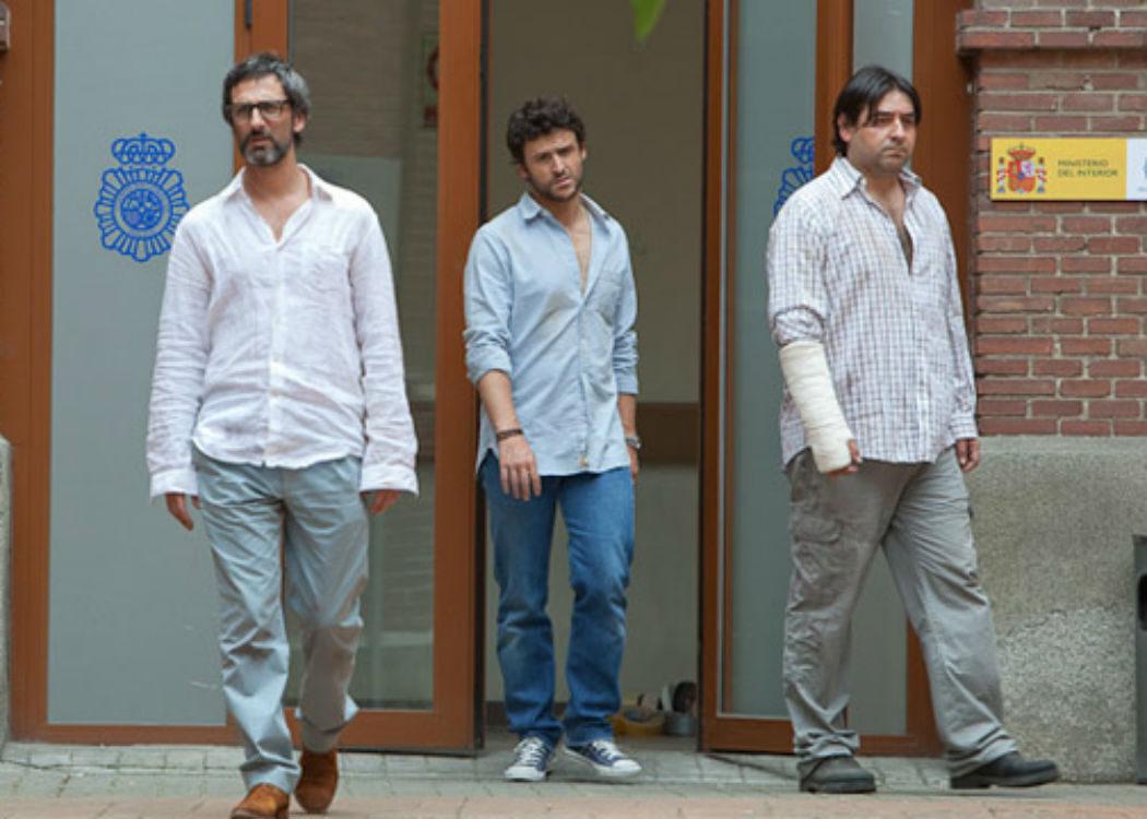 'Amigos' (2011): Venderse al extremo nunca fue tan divertido