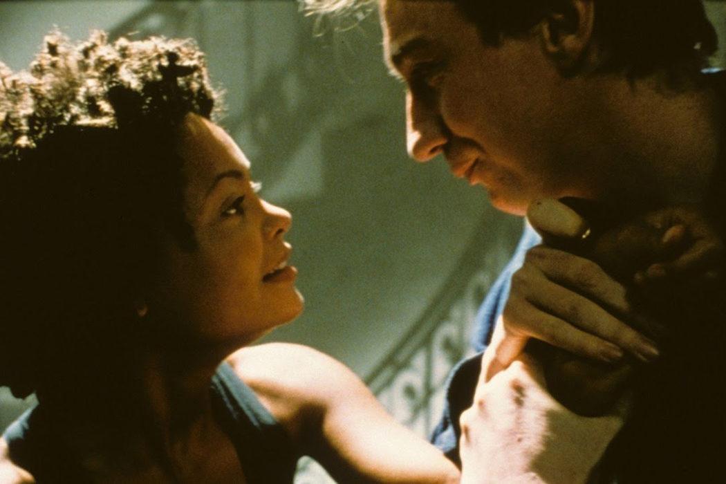 'Asediada' (1998)