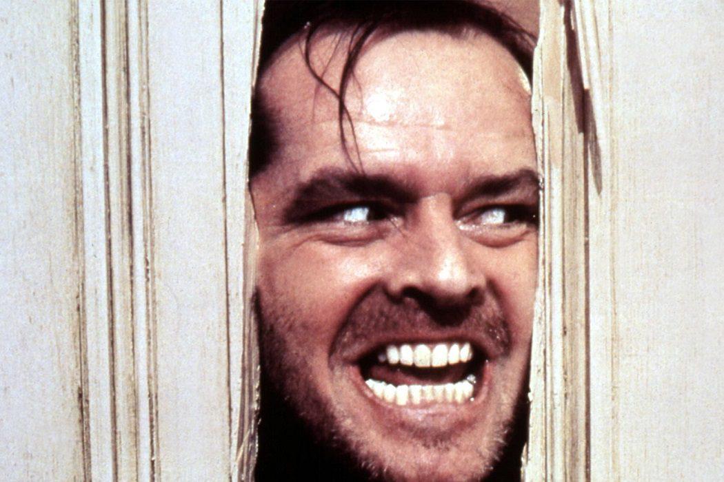 Jack Nicholson a hachazos con la puerta