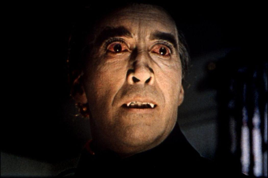 """El 'Drácula' Christopher Lee es para """"deficientes mentales"""""""