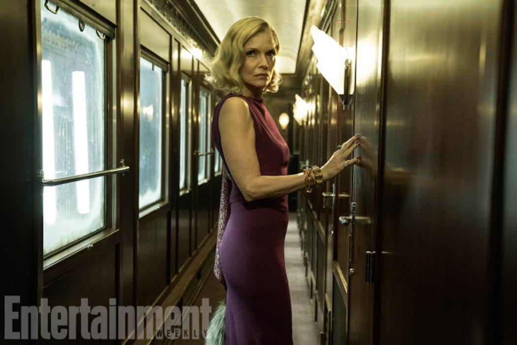 Michelle Pfeiffer es Caroline Hubbard