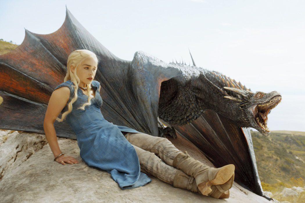 Daenerys doma a sus dragones